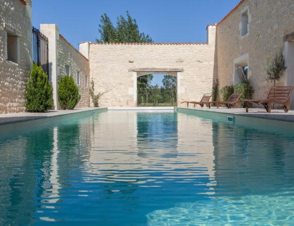 LOGIS DE L'ÉPINIÈRE - Fins Bois<br>La piscine